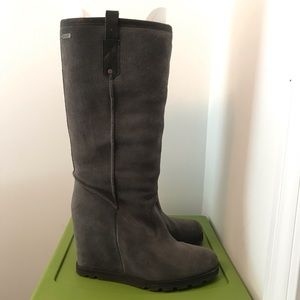 Ugg Soleil Suede Wedge Boot Gray